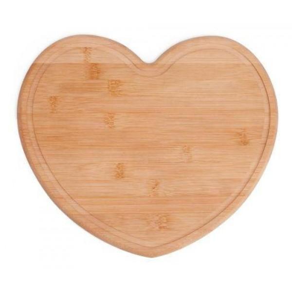 tábua em bambu com formato de coração