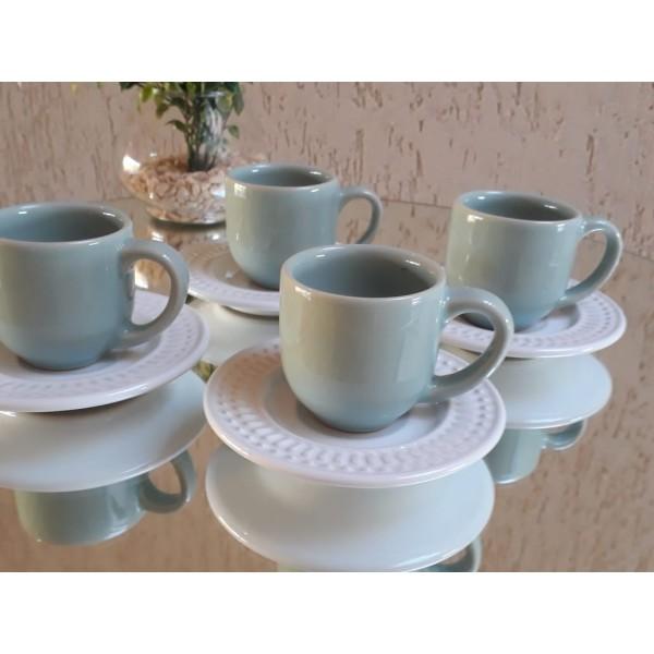 jogo 4 xícaras café verde claro com pires branco...