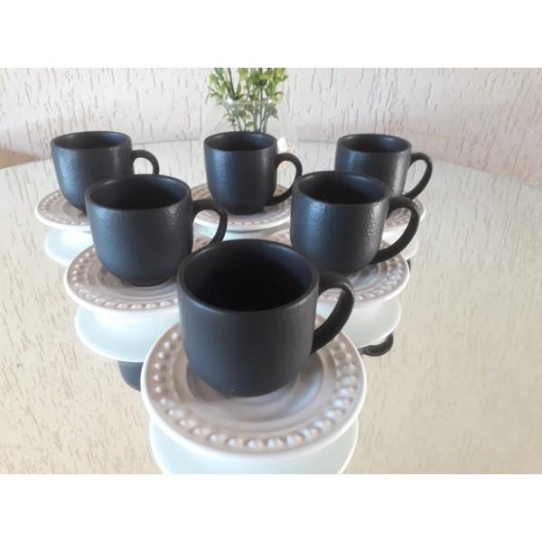 jogo 6 xícaras cafe preto fosco com pires branco
