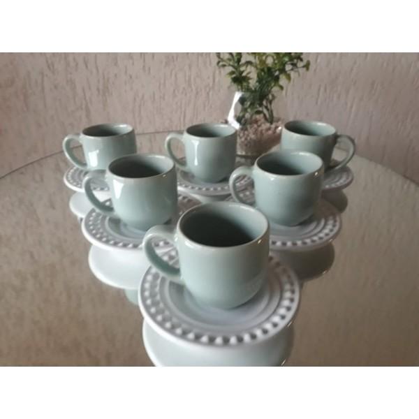 jogo 6 xícaras café verde com pires branco